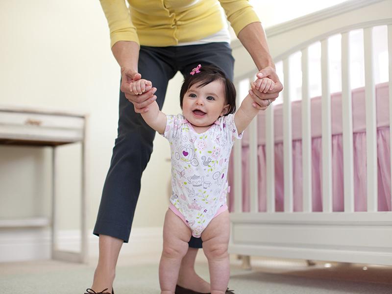 Как ребенку помочь ходить