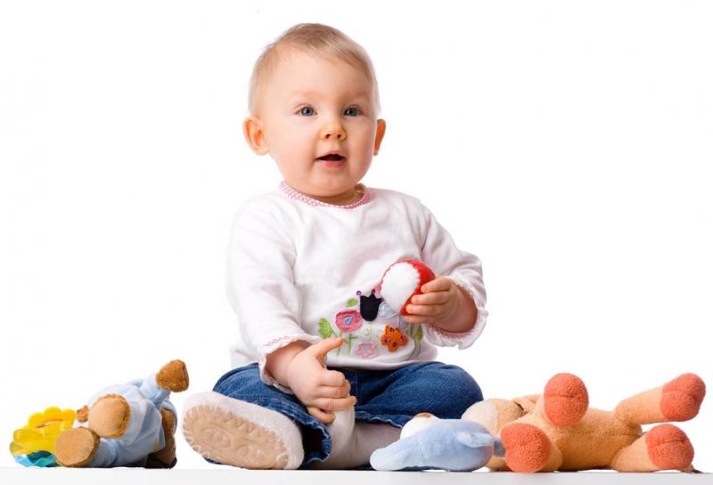 Ребенок хочет играть в развивающие игры