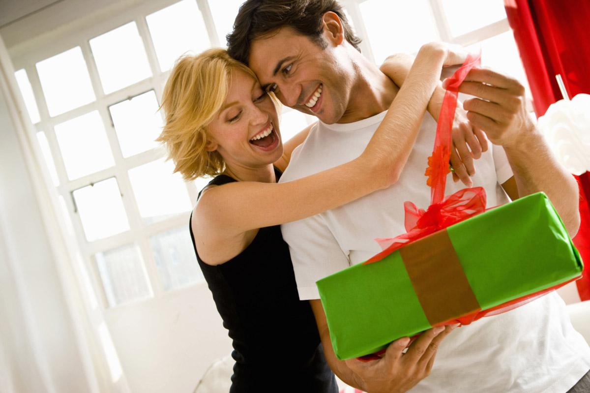Должен ли мужчина дарить подарки 33