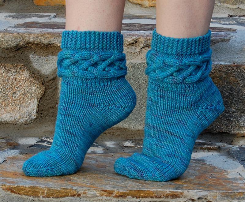 Детские вязаные носки с простым рельефным узором | сундучок.
