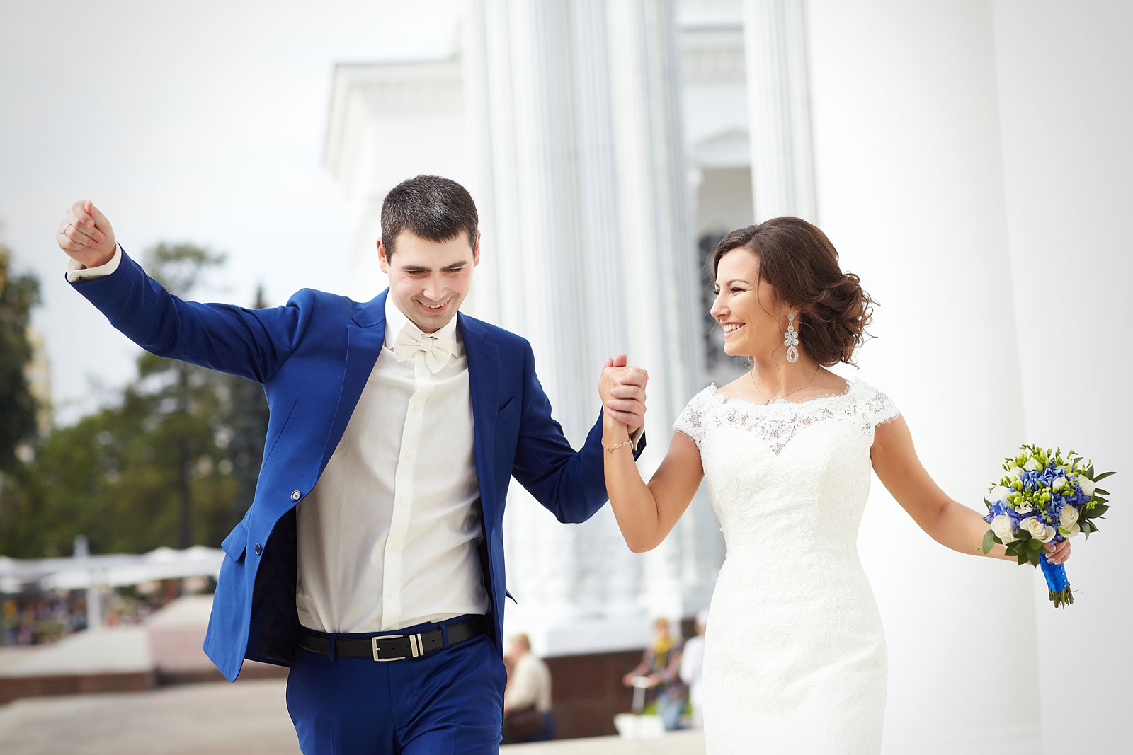 Дарит ли жених невесте подарки на свадьбе 93
