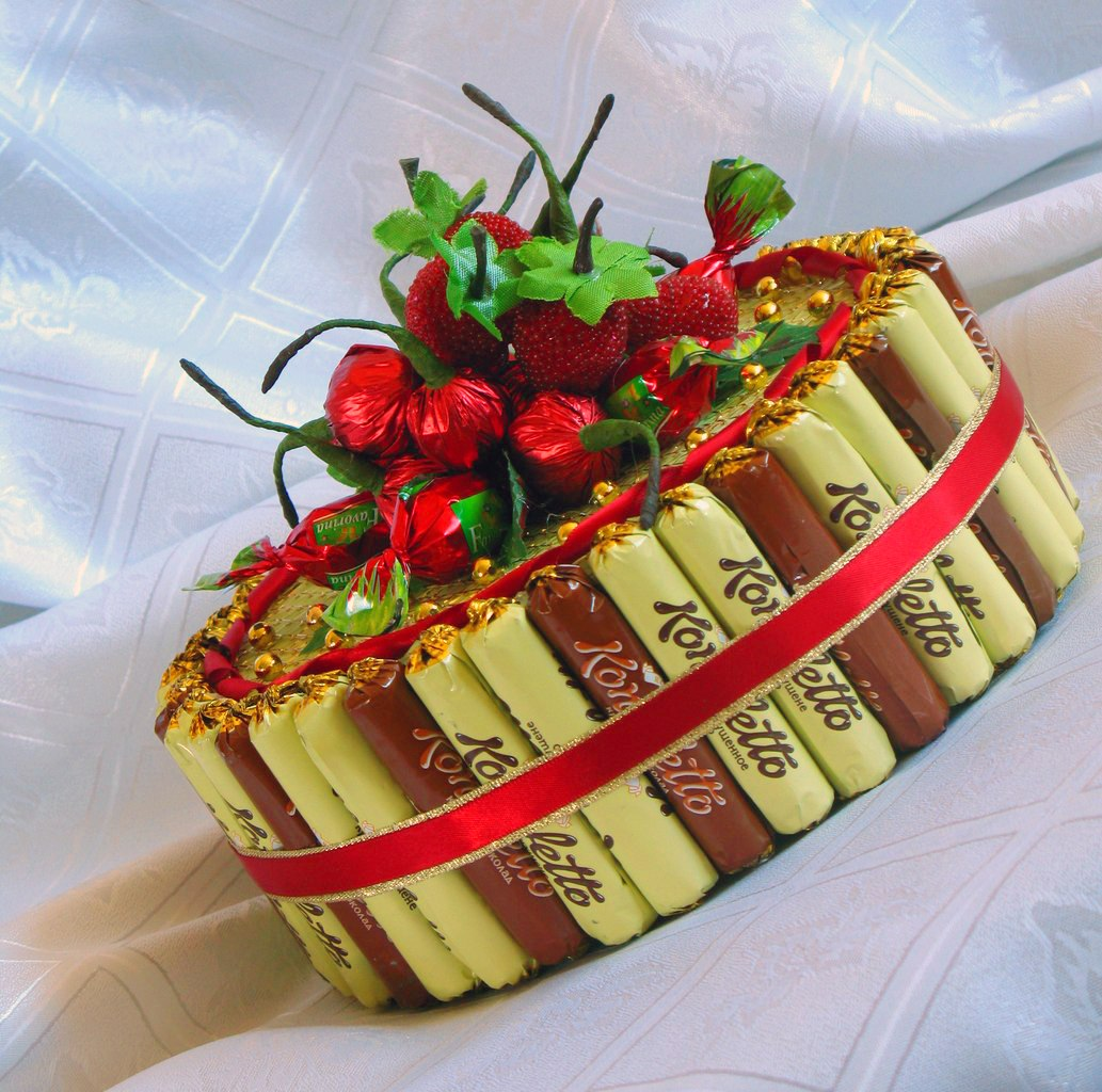 Торт из конфет пошаговое