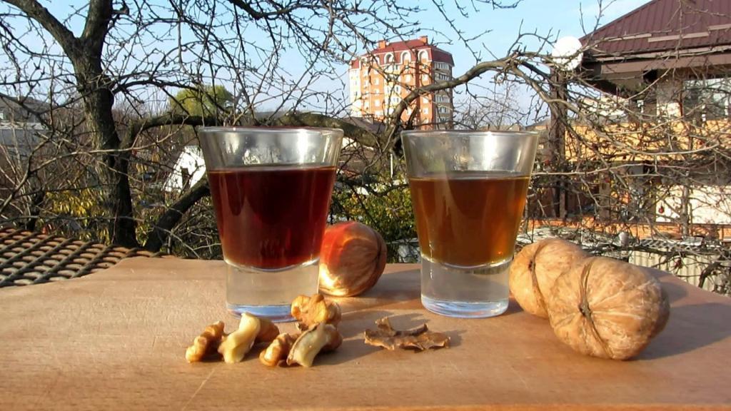 Настойка из грецких орехов и применение