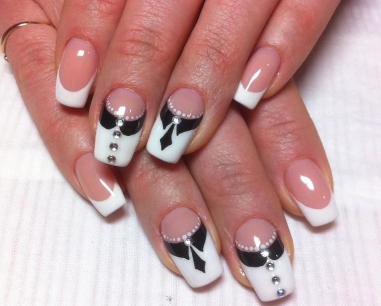 Дизайн нарощенных ногтей новинки френч