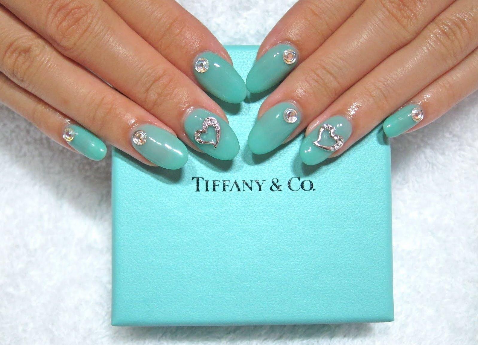 Дизайн ногтей тиффани