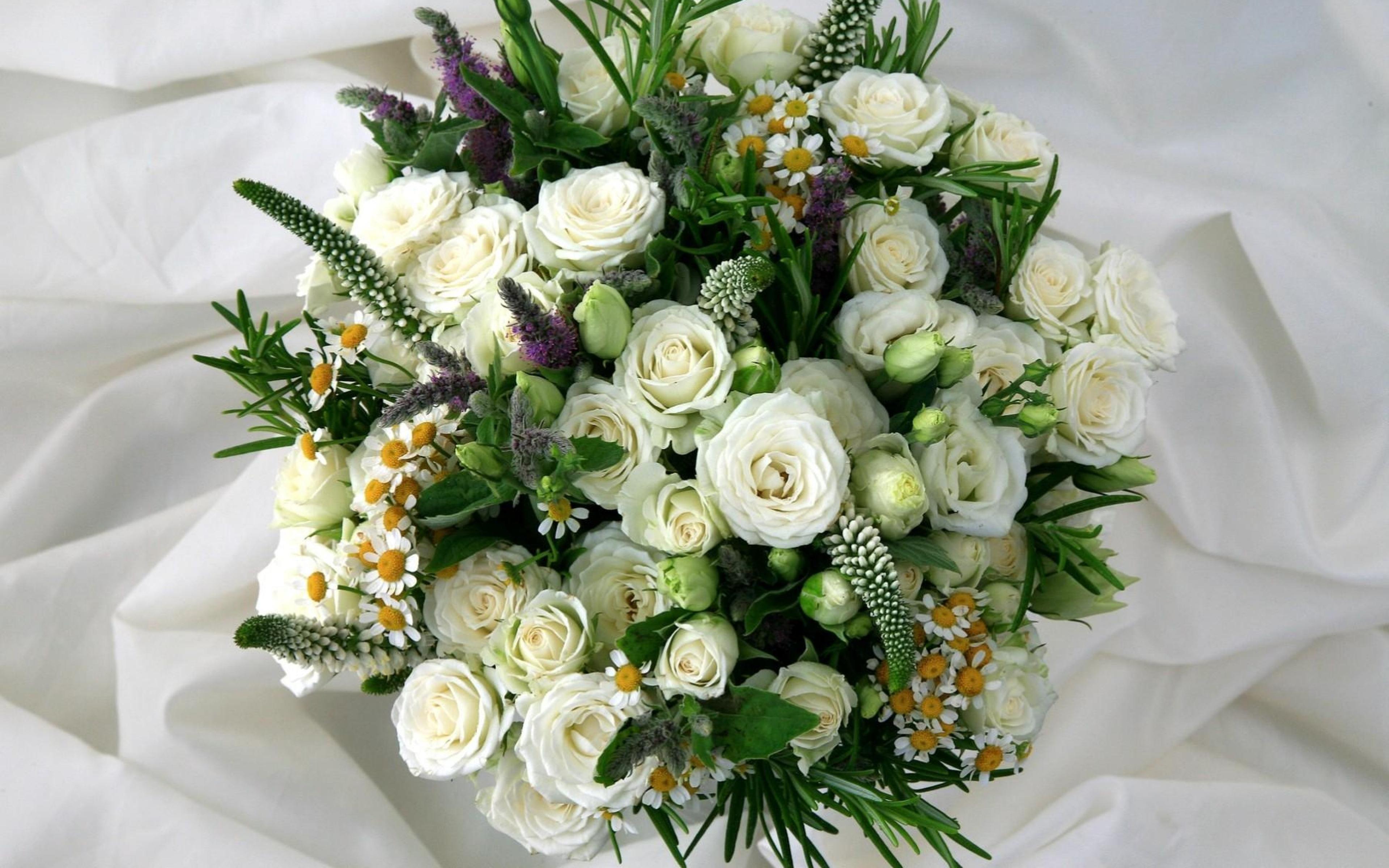 Составление букетов из живых цветов: правила. Букеты из цветов 51