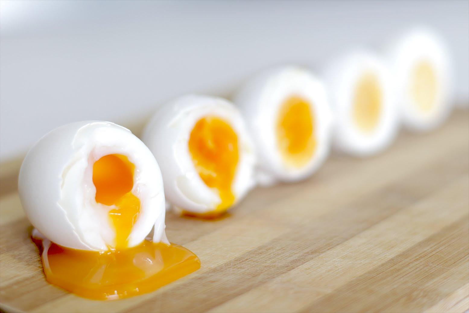 как варить яйца всмятку сколько минут на газу