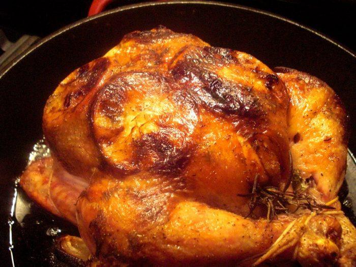 Запечь курицу в духовке целиком с лимоном