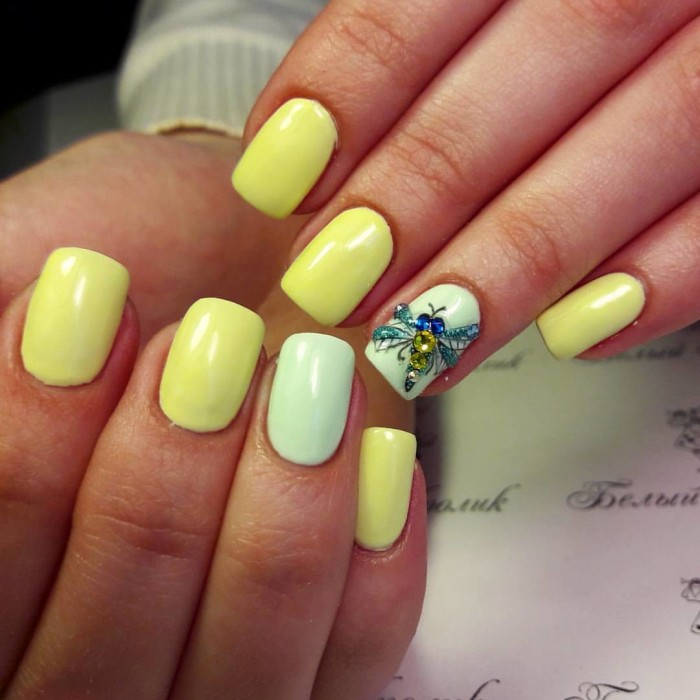 Дизайн ногтей стрекоза