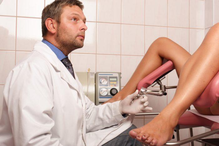 При беременности после осмотра коричневые выделения