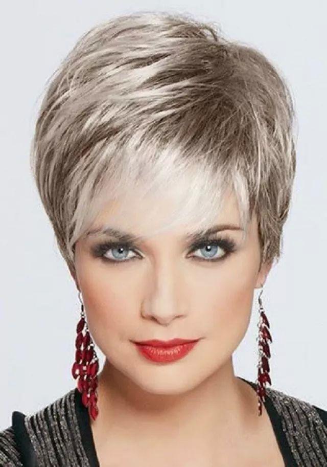 Прически на короткие волосы для женщин 50 лет фото на кажды день