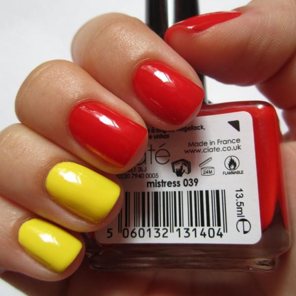 Жёлтый с красным маникюр
