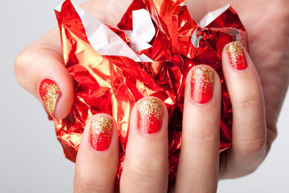 29 фото маникюр красно золотого цвета двухцветный дизайн 19