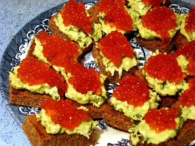 Бутерброды с лососевой икрой рецепты на праздничный стол100