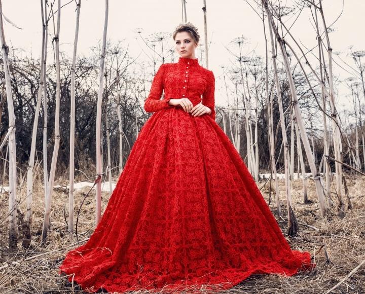 Клатч для красного платья