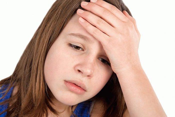 У ребенка болит голова что делать как лечить