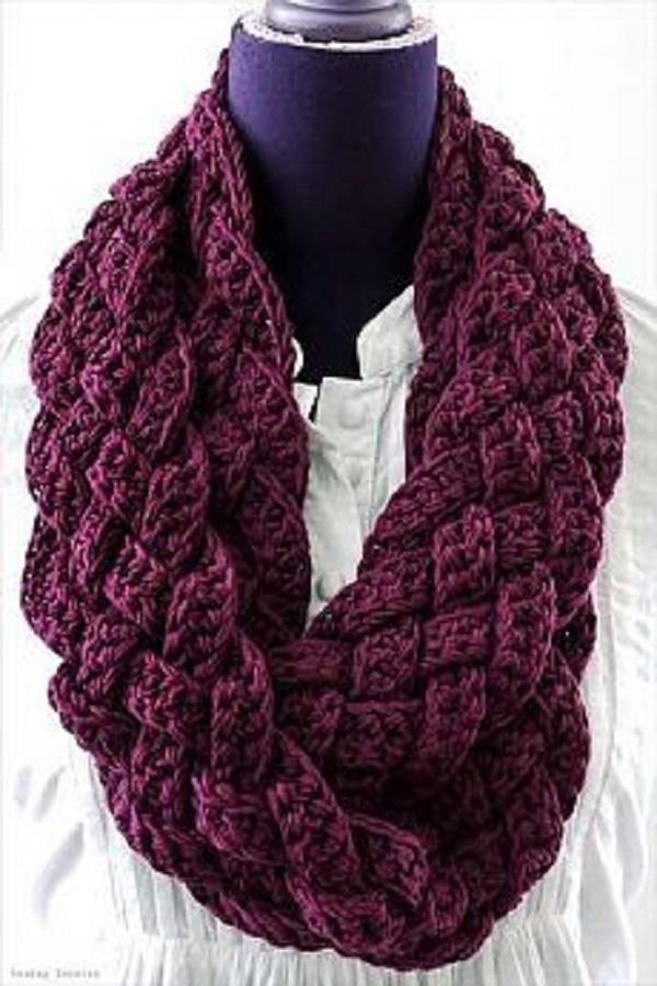 шарф-хомут крючком с переплетентем