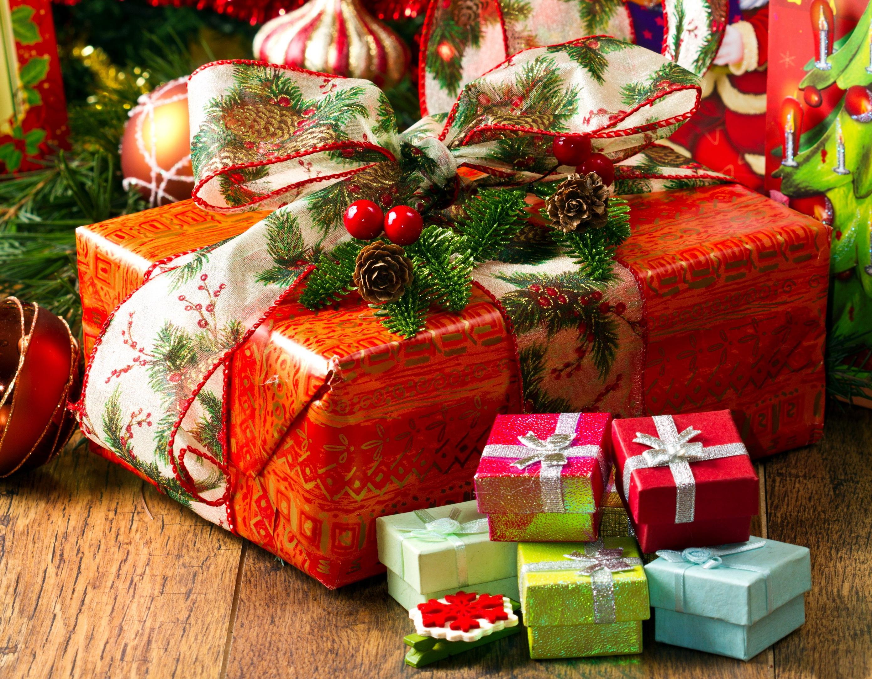 Идеи интересных и недорогих подарков для учителей на 8 Марта