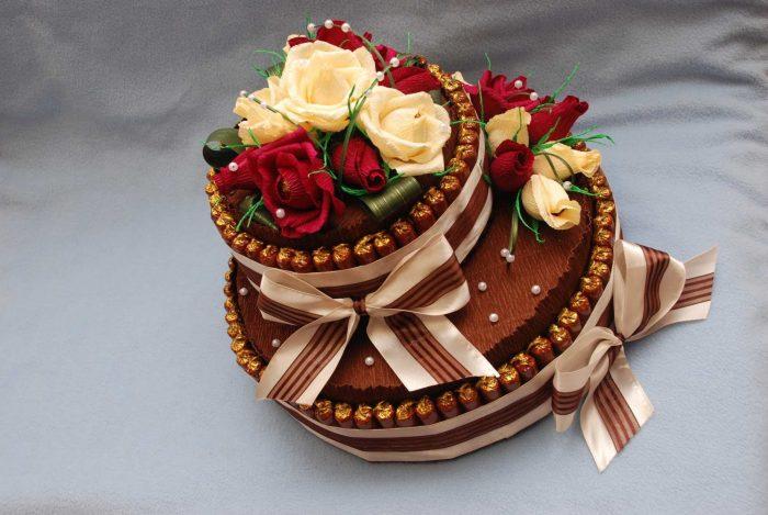 Торт из конфетами своими руками