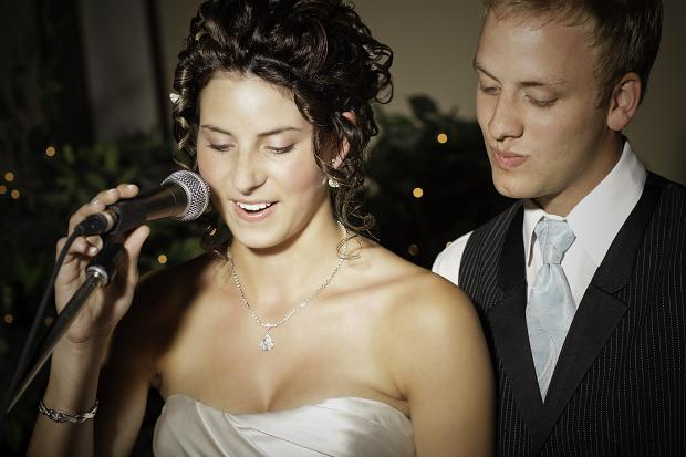 Каждому молодожену во время свадьбы найдется что сказать и за что поблагодарить своих любимых родителей
