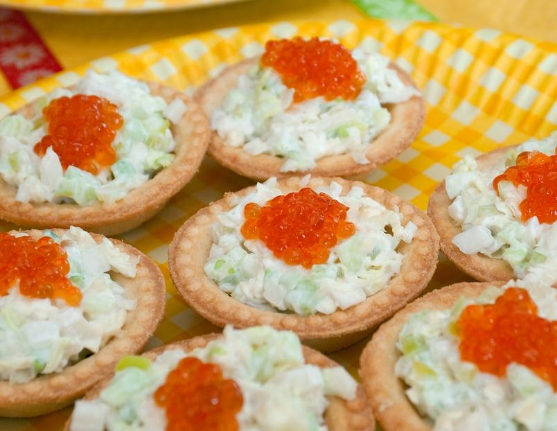 Салат в тарталетках с красной икрой рецепты