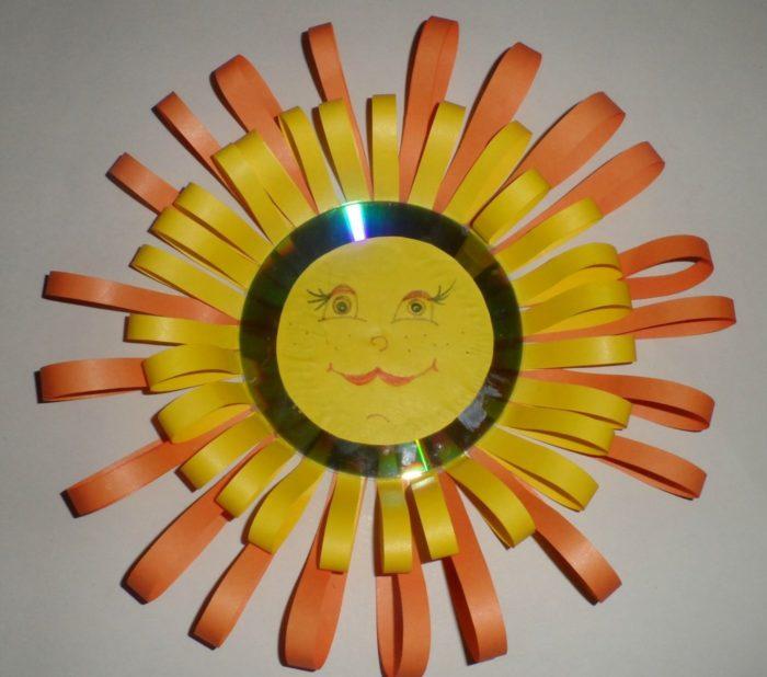 Солнышко в руках поделки