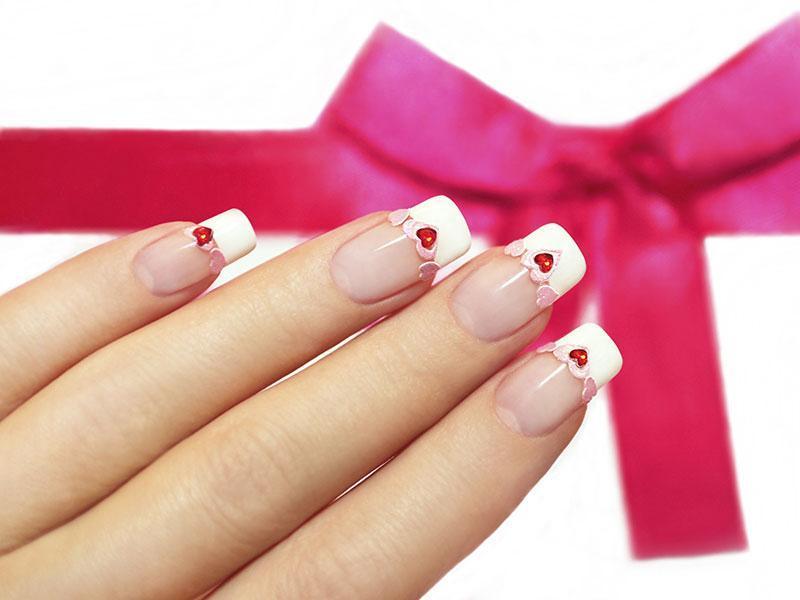 Фото френч ногти с сердечками