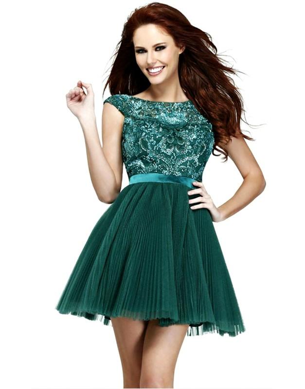 Коктейльные короткие платья с пышной юбкой