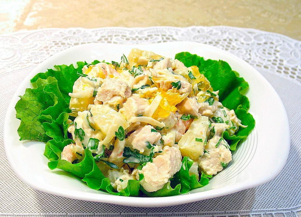 Салаты с ананасом курицей и грибами рецепты простые и вкусные