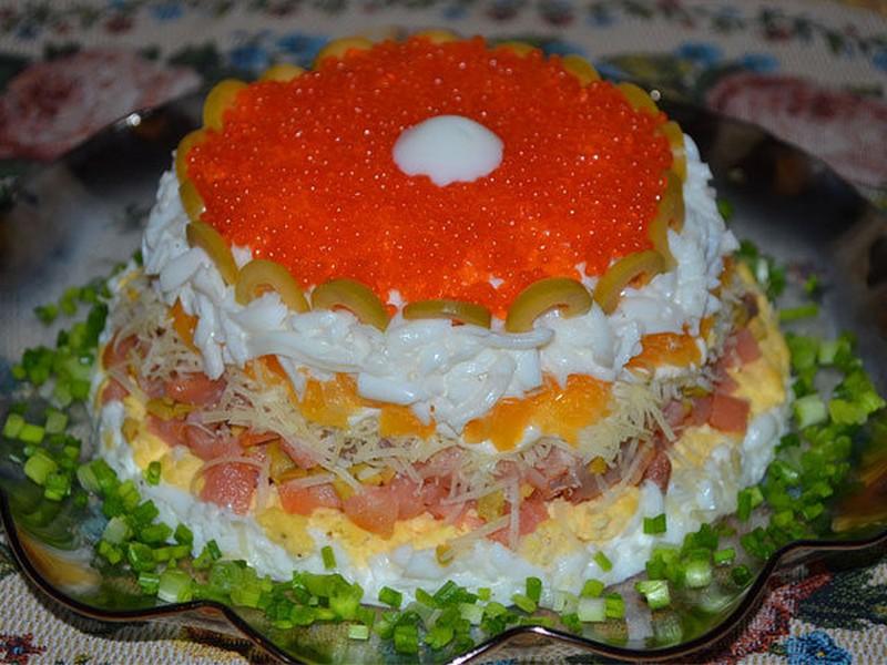 Рецепты салатов на новый год слоями