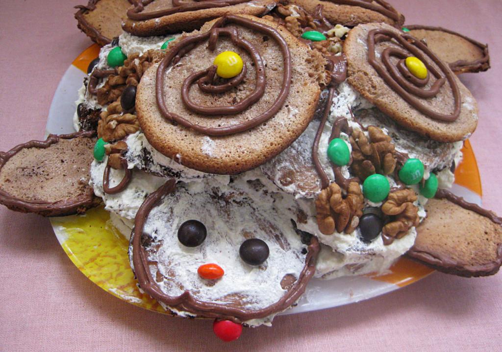 Как правильно выложить и красиво украсить торт Черепаха