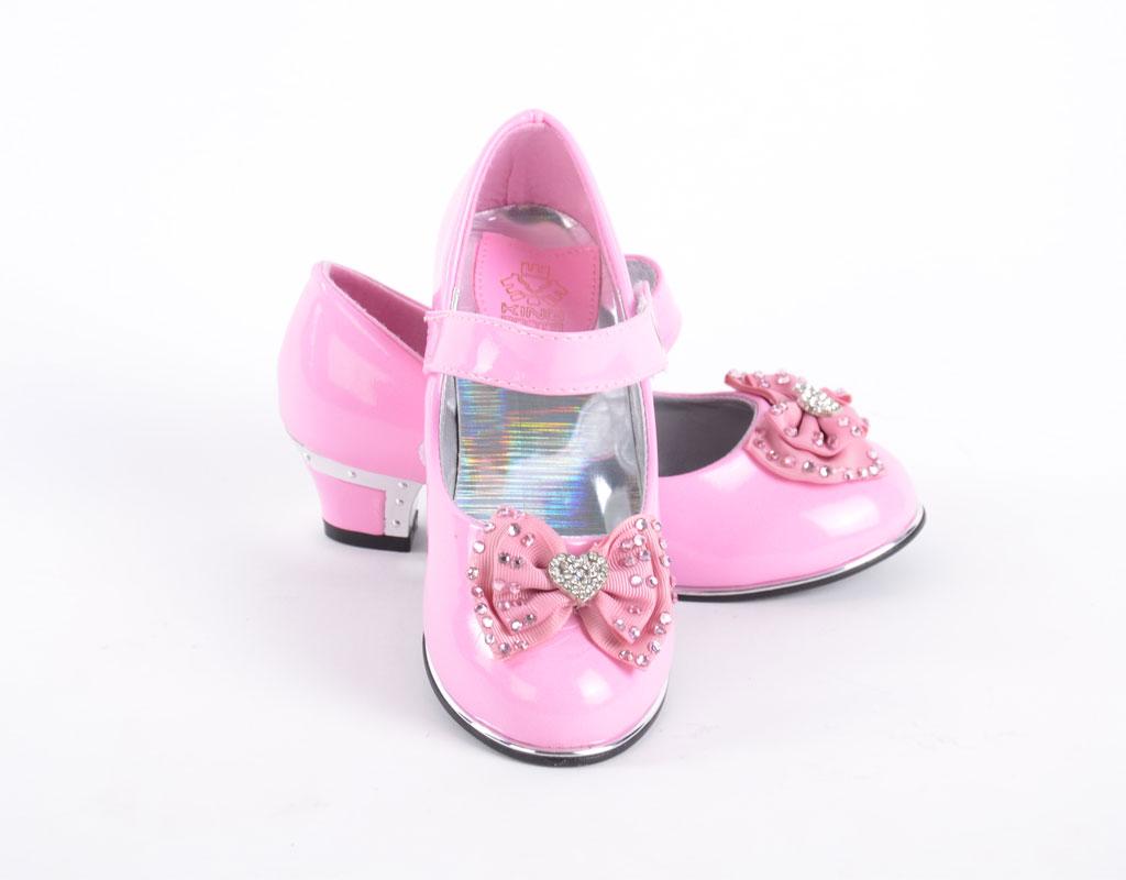 Обувь для девочки на новый год