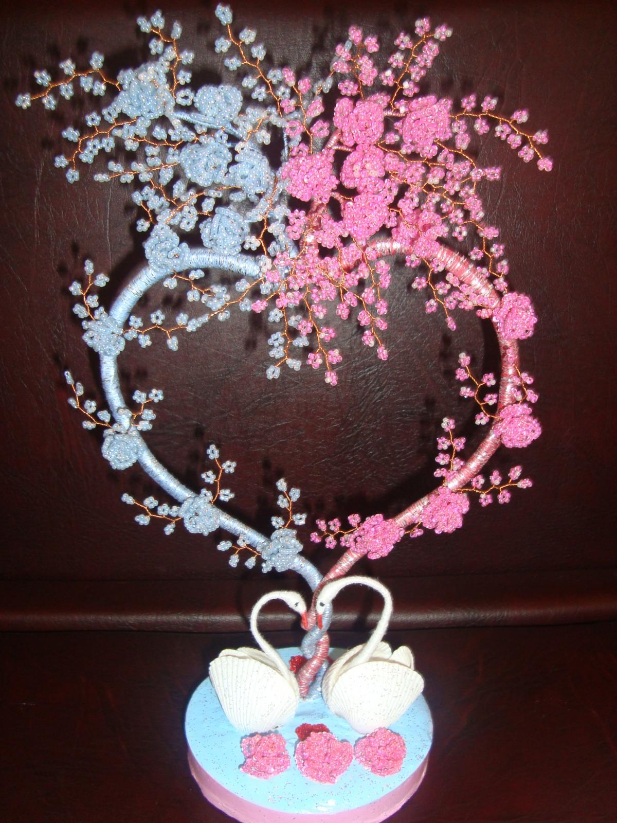 Как сделать подарок на свадьбу своими руками из бисера