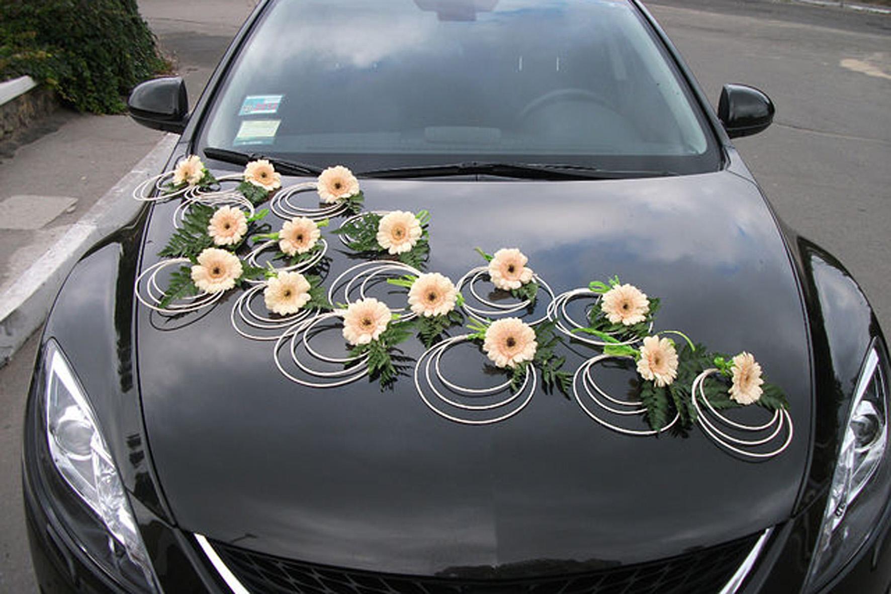 Украшения свадебных машин. фото