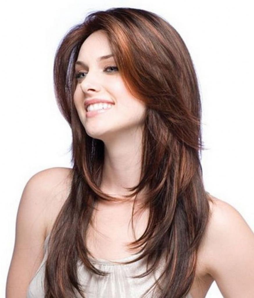 Стрижка с челкой на длинные волосы придающая объем фото