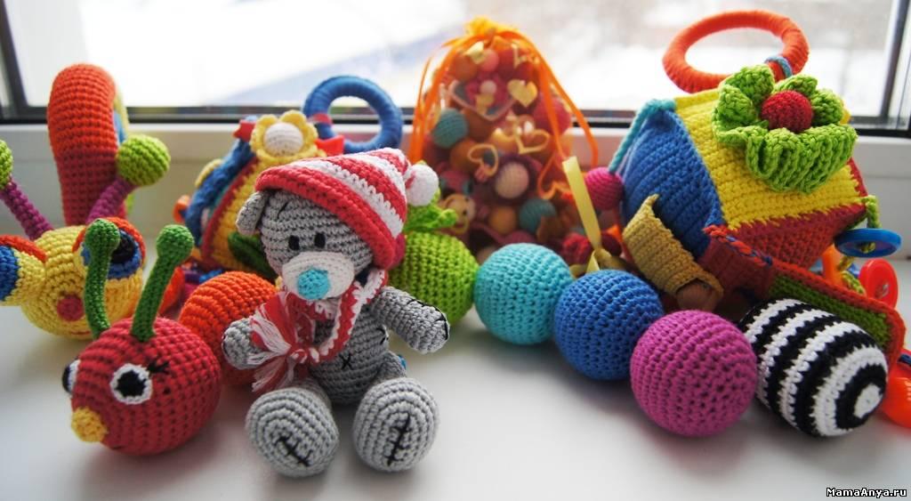 Связать развивающие игрушки