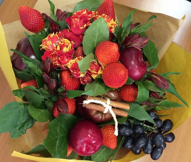 Букет подарочный из фруктов своими руками 66