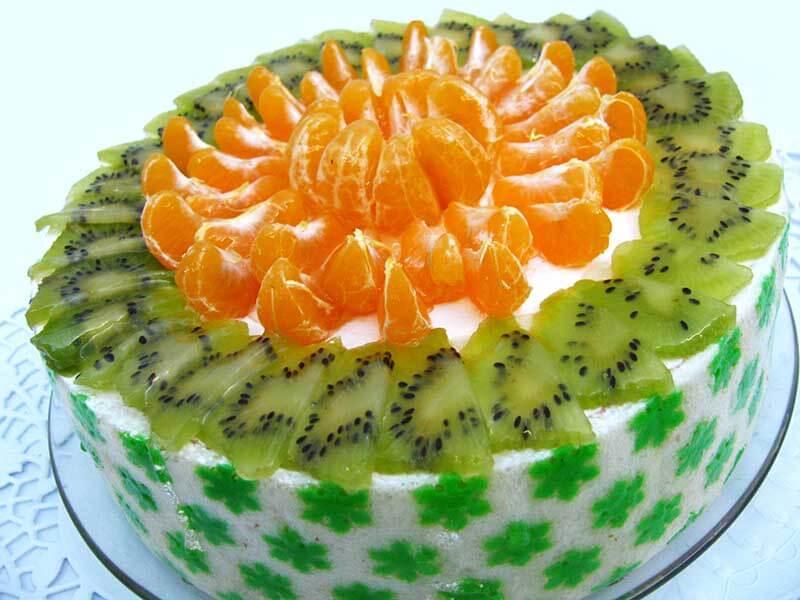 Украшаем торт фруктами в домашних условиях фото пошагово
