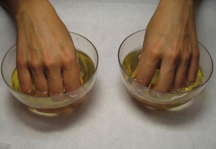 Чем мазать ногти для укрепления