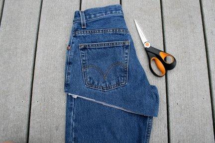 Как правильно сделать из старых джинсов