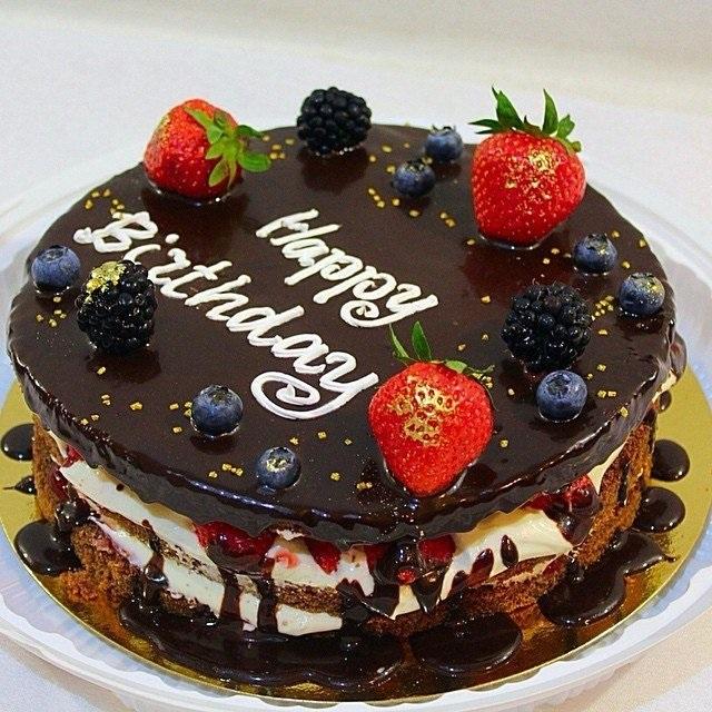 Шоколадный торт с карамельной прослойкой - кулинарный рецепт