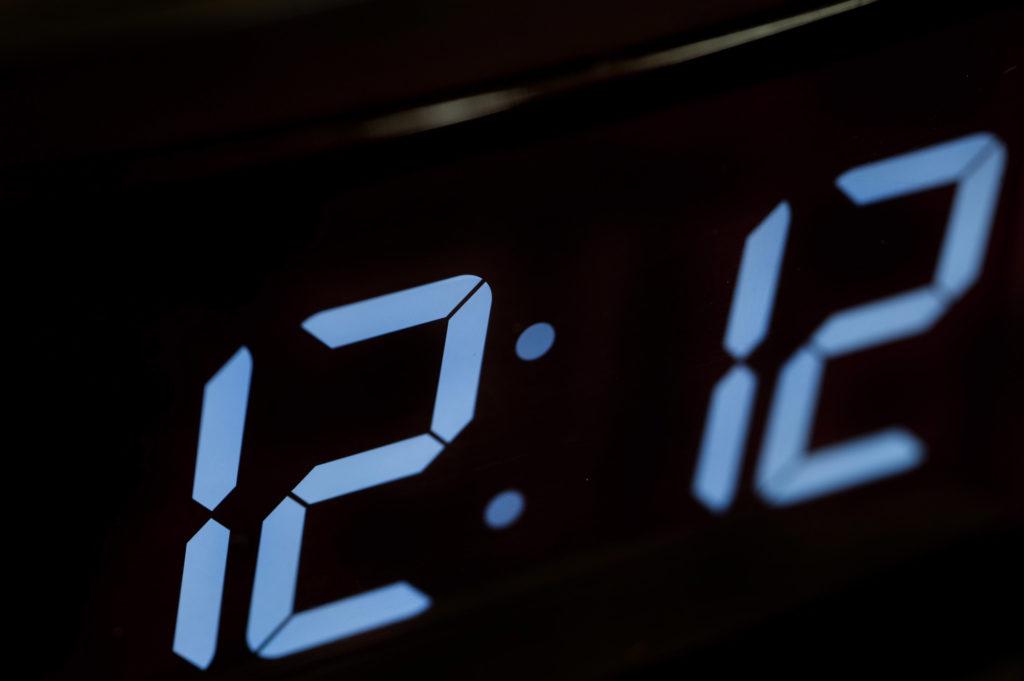 ангельская нумерология электронных часов