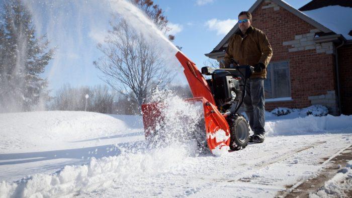 Продажа и покупка снегоуборочных машин весьма популярная бизнес-идея для зимы
