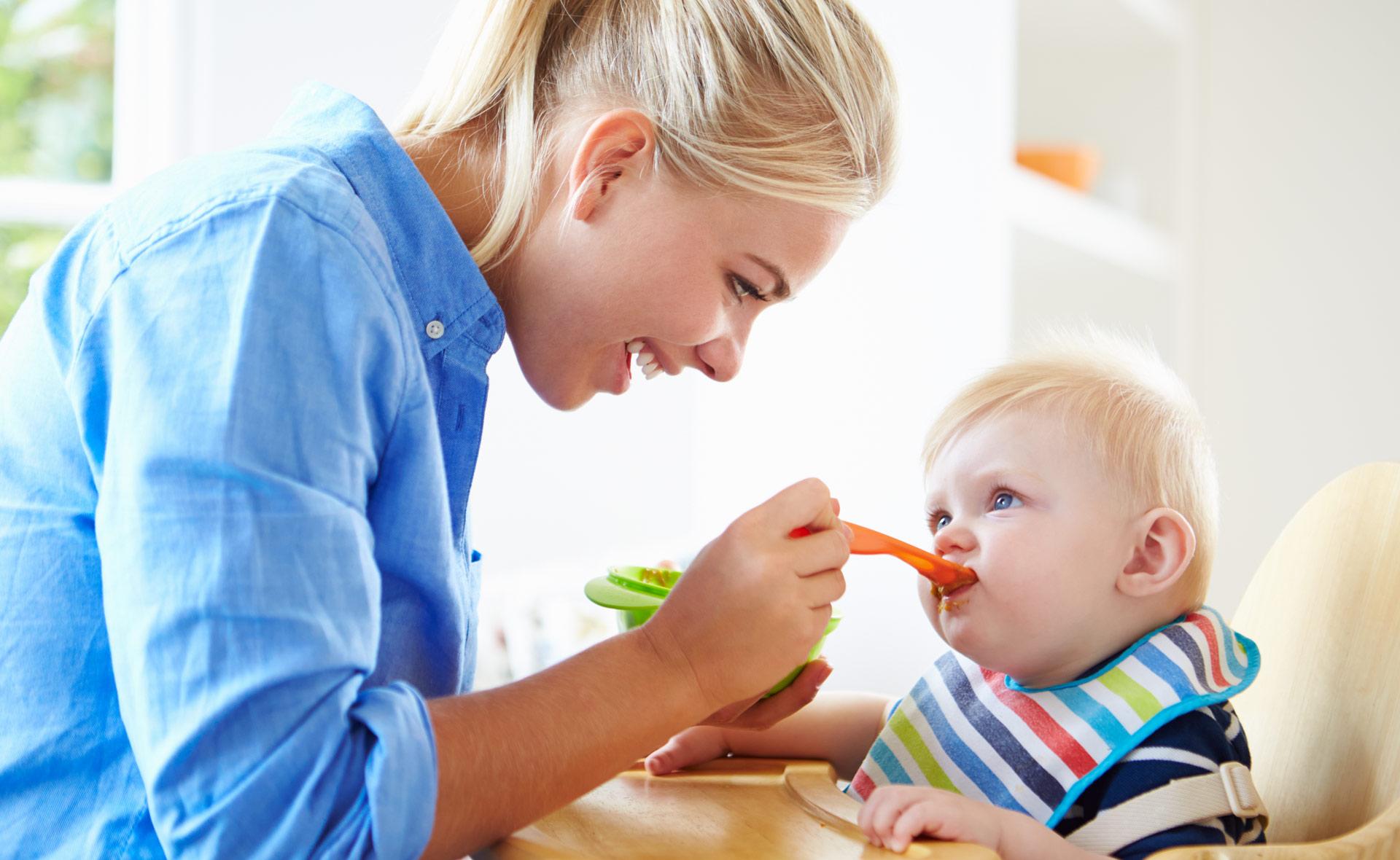 Режим питания ребенка в 5 месяцев: все, что должна знать мама