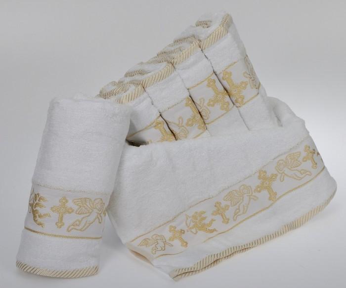 Для крещения нужно запастись большим белым полотенцем