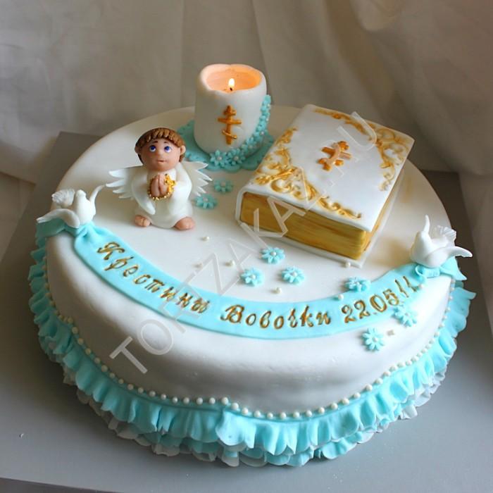 В торт на крестины можно даже воткнуть свечку