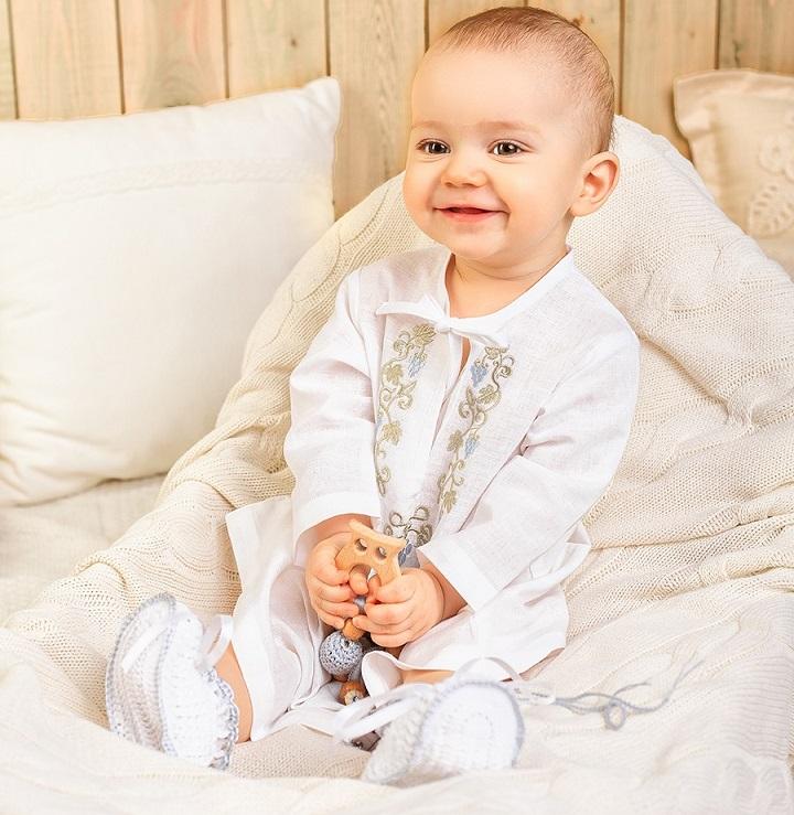 Крестильная рубашка для ребёнка универсальна