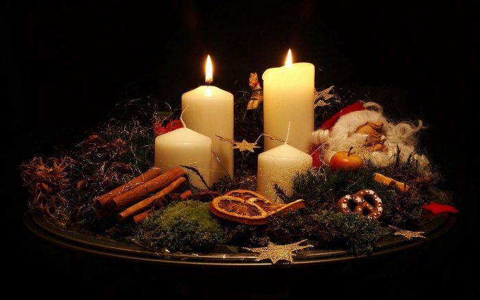 Новогодние свечи - прекрасный праздничный атрибут
