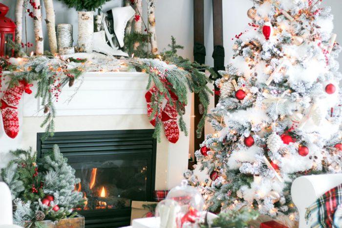 Праздничное украшение комнаты к Новому году