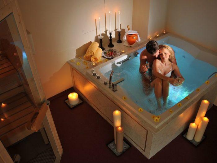 Прелюдия во время приема ванны подарит обоим партнерам массу приятных минут